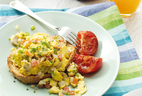 Veggie Scrambled Eggs with Wholemeal Toasts